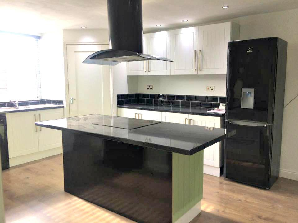 2 Bedrooms Flat for sale in Littlefield Lane, Grimsby, North East Lincolnshire, DN31