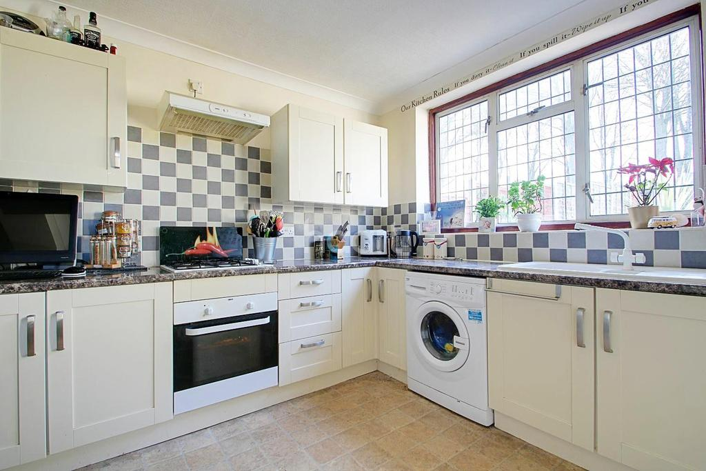 3 Bedrooms Terraced House for sale in Addenbrooke Road, Smethwick