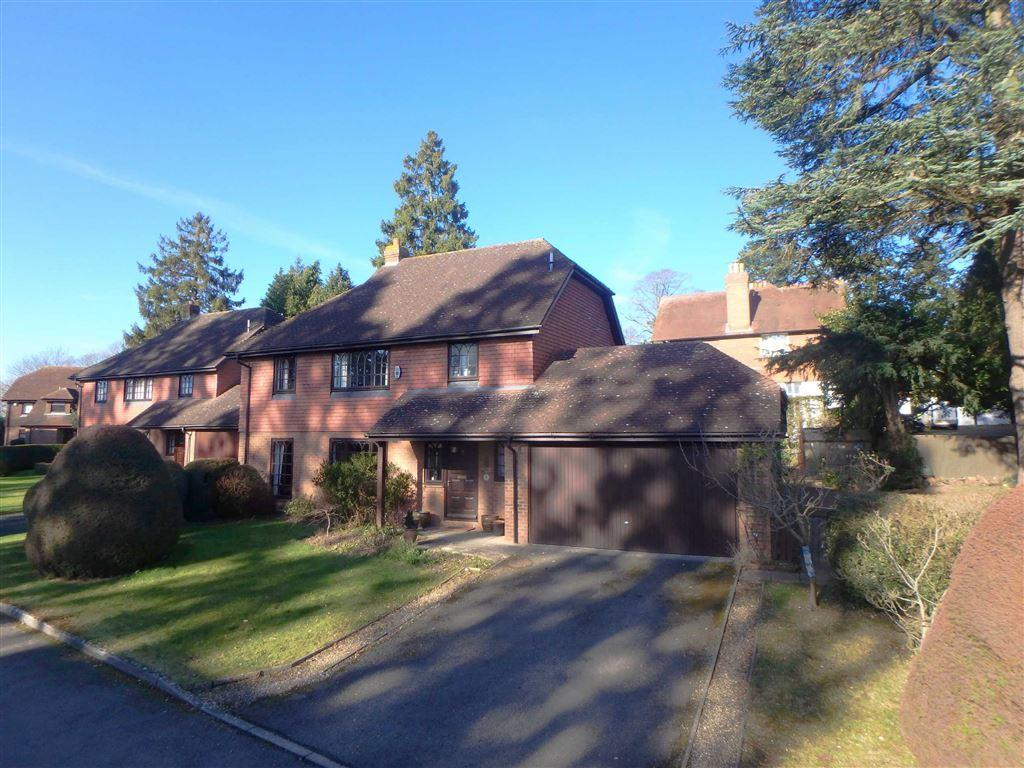 4 Bedrooms Detached House for sale in Johns Croft, Off Vineyard Road, Hereford