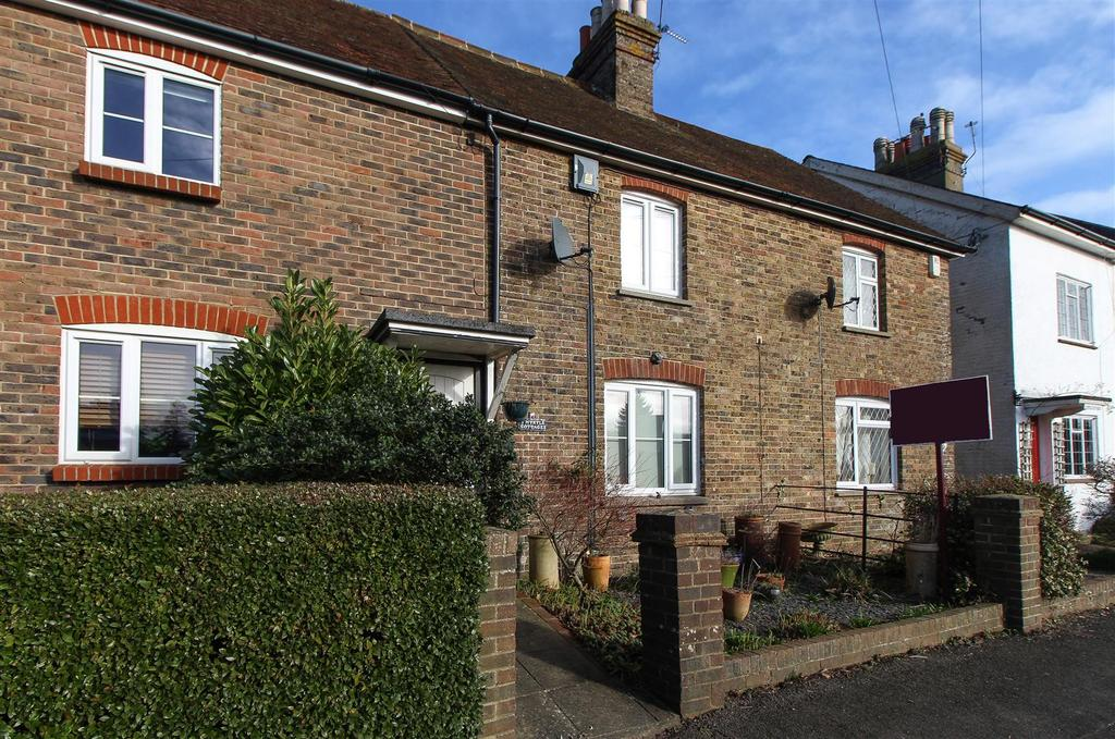 3 Bedrooms Terraced House for sale in Ardingly Road, Cuckfield