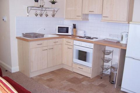 House to rent - 30 Pembroke Buildings Cambrian Place Swansea