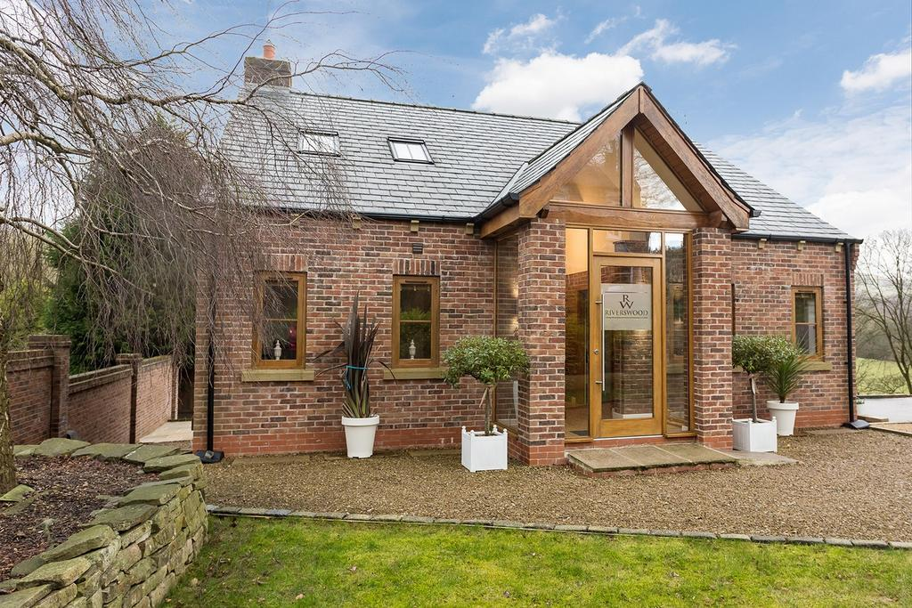 4 Bedrooms Detached House for sale in Strines Road, Strines, Cheshire