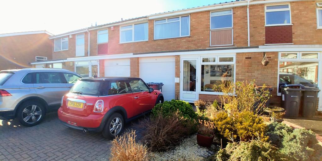 3 Bedrooms Terraced House for sale in Crookham Close, Harborne, Birmingham, B17 8RR