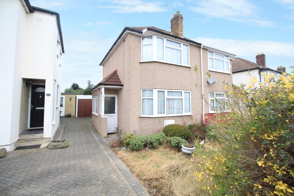 2 Bedrooms Semi Detached House for sale in Porthkerry Avenue Welling DA16