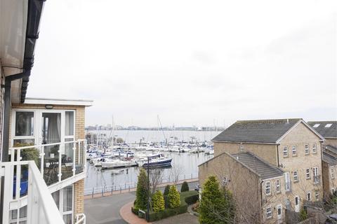 2 bedroom flat to rent - Marconi Avenue, Penarth Marina