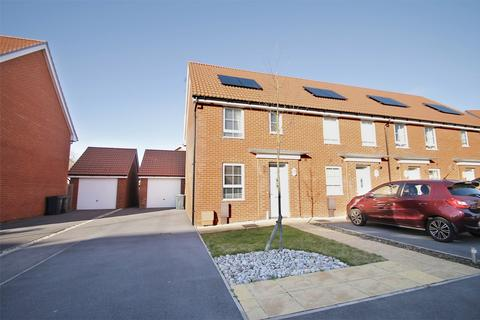 3 bedroom end of terrace house for sale - Cockerell Close, Lee-on-the-Solent, Hampshire