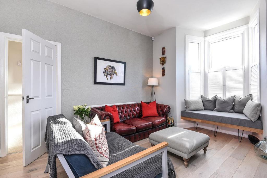 2 Bedrooms Maisonette Flat for sale in Garratt Lane, Tooting