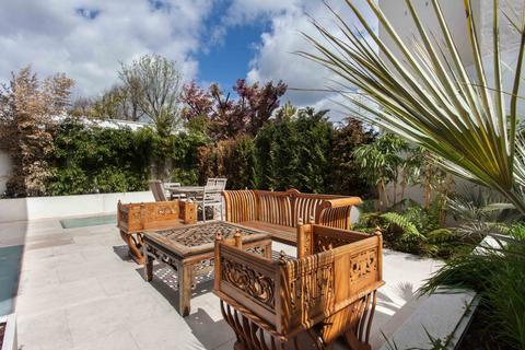 3 bedroom apartment for sale - Pembroke Road, Kensington