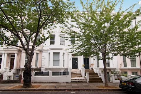 2 bedroom apartment - Russell Road, Holland Park