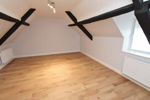 1 bedroom flat to rent - High Street, Bristol