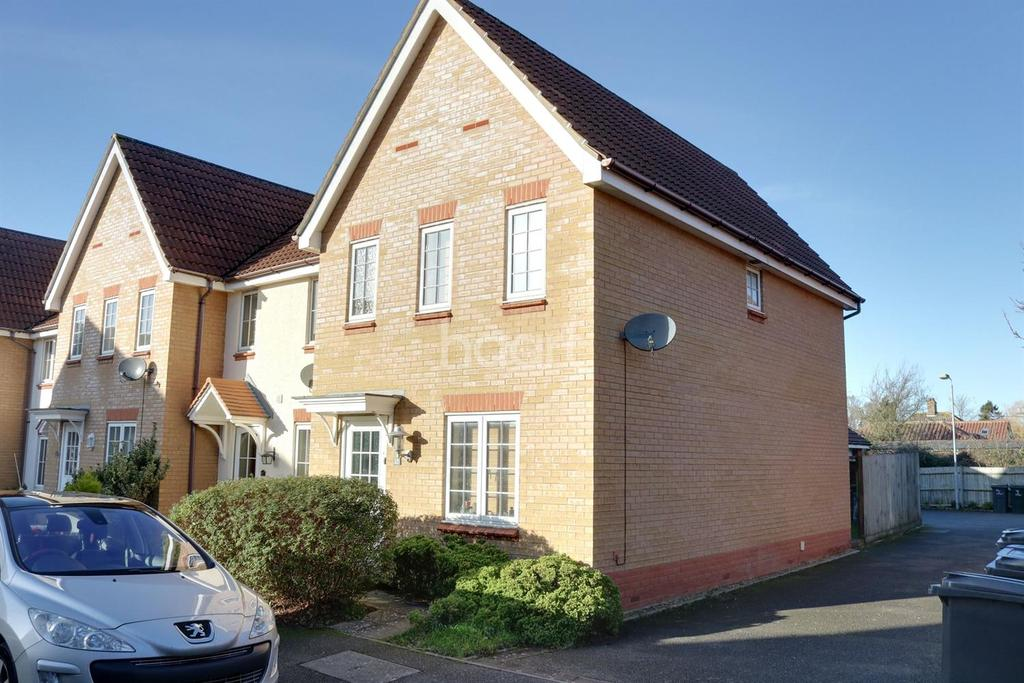 3 Bedrooms End Of Terrace House for sale in Kingfisher Road, Attleborough