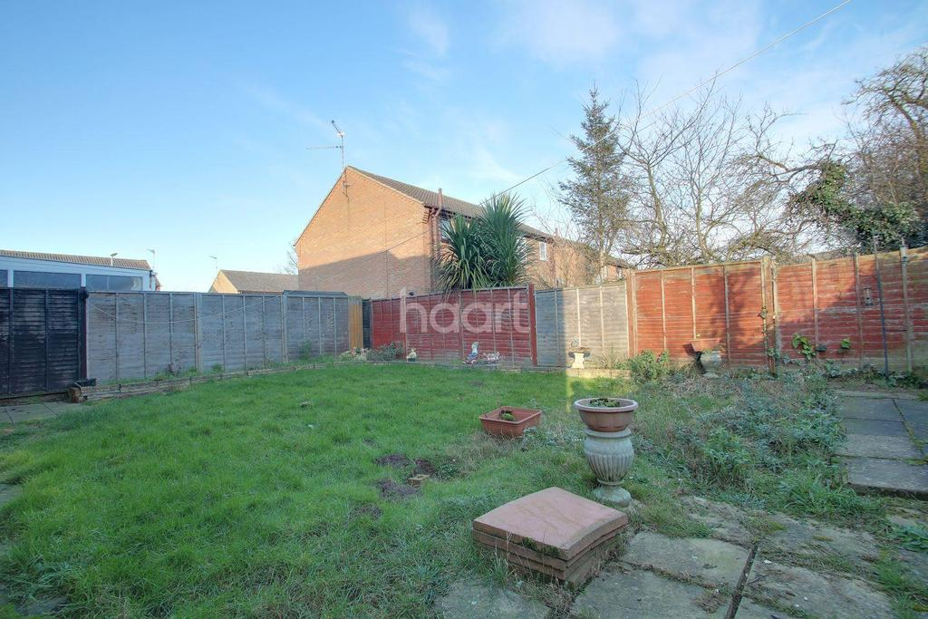 4 Bedrooms Semi Detached House for sale in Hedgelands, Wisbech