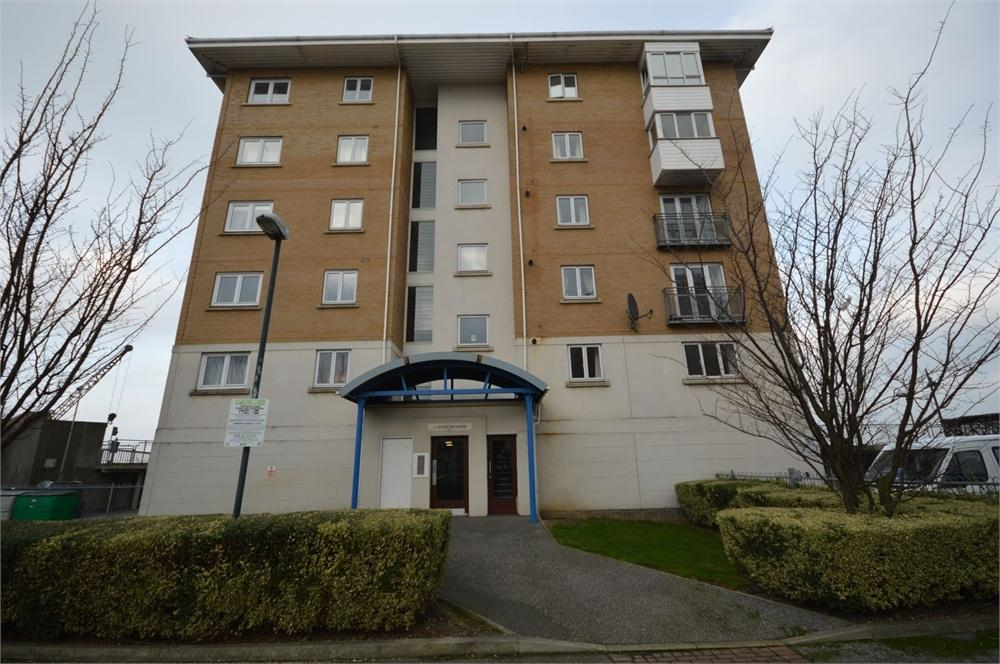 2 Bedrooms Flat for sale in Cutter House, Macarthur Close, Erith