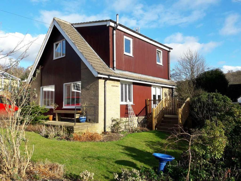 3 Bedrooms Detached Bungalow for sale in Woodroyd Avenue, Honley, Holmfirth, HD9 6LG