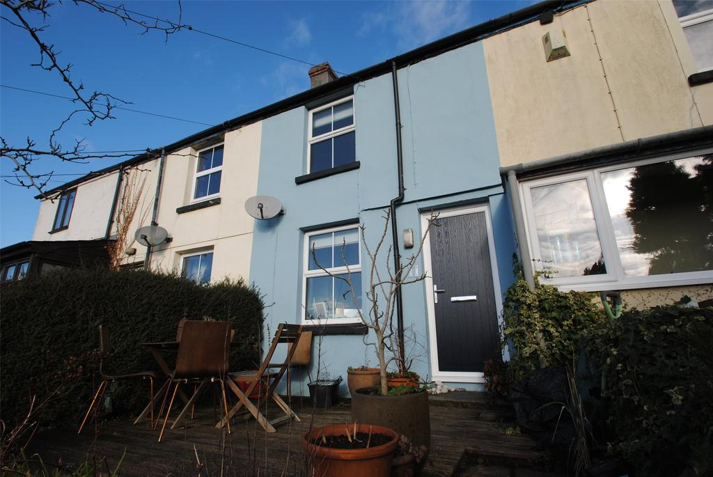 2 Bedrooms Terraced House for sale in Higher Cleaverfield, Launceston