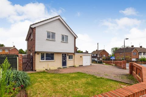 3 bedroom detached house to rent - Granger Avenue, Maldon