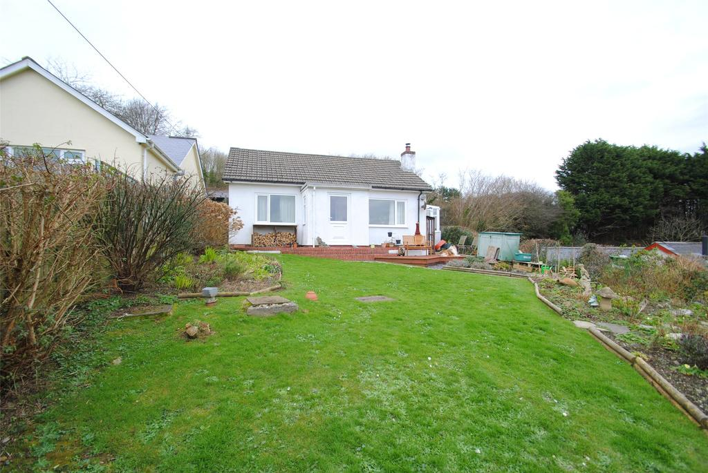 2 Bedrooms Detached Bungalow for sale in Higher Slade, Ilfracombe