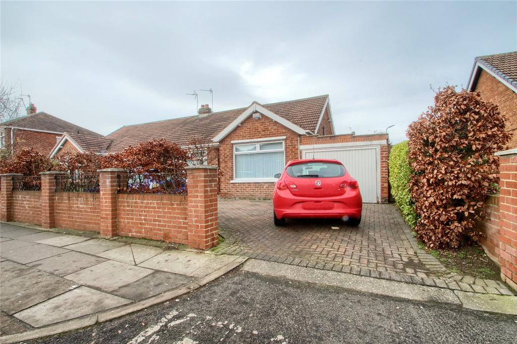 2 Bedrooms Semi Detached Bungalow for sale in Upsall Grove, Fairfield