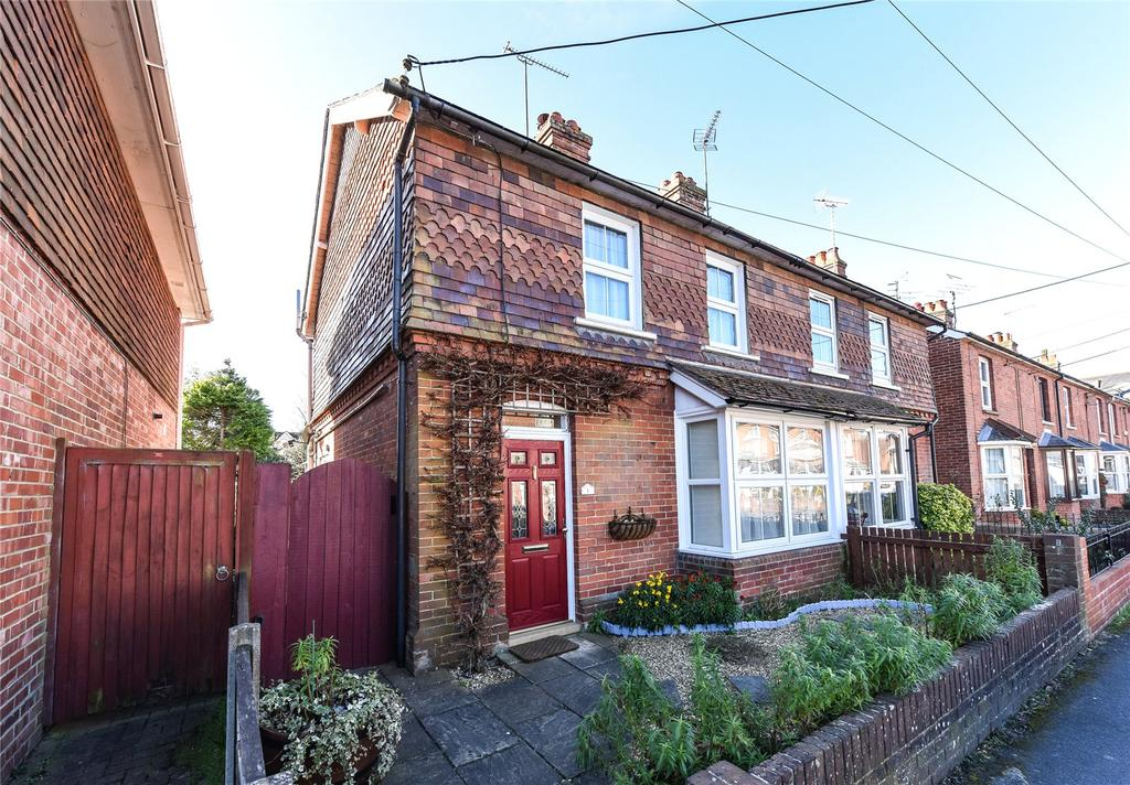 2 Bedrooms Semi Detached House for sale in Albert Road, Alton, Hampshire