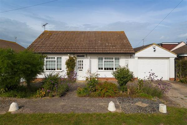 3 Bedrooms Bungalow for sale in Northwood Road, Tankerton, Whitstable