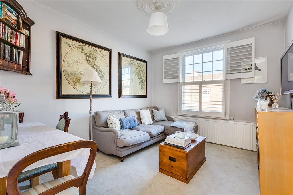 2 Bedrooms Flat for sale in St Olafs Road, Fulham, London
