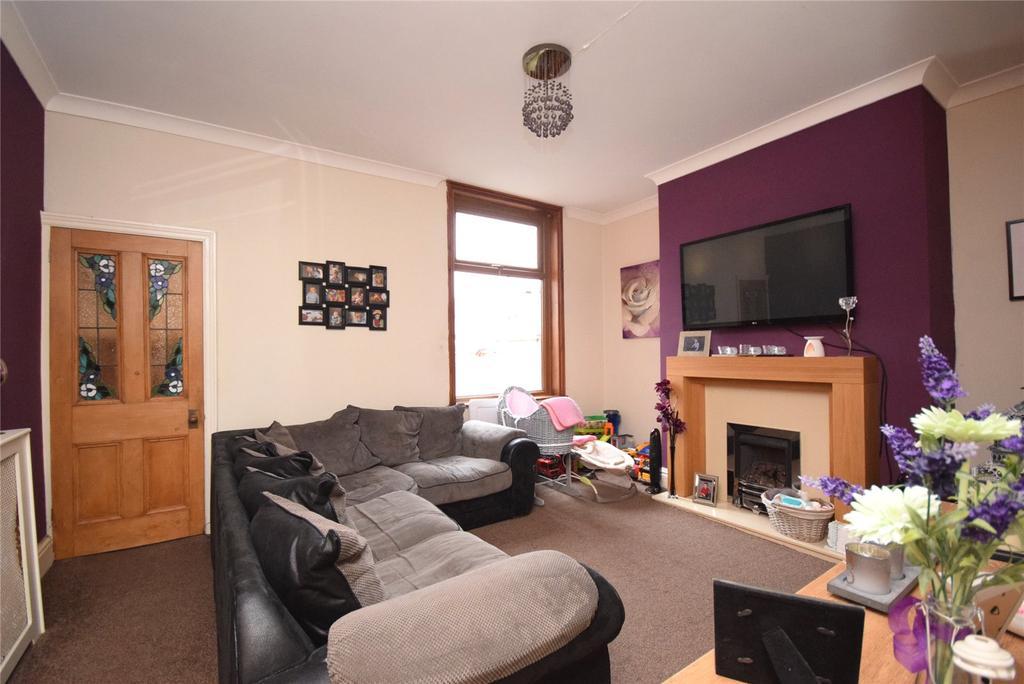 2 Bedrooms Terraced House for sale in Monton Road, Darwen, Lancashire, BB3