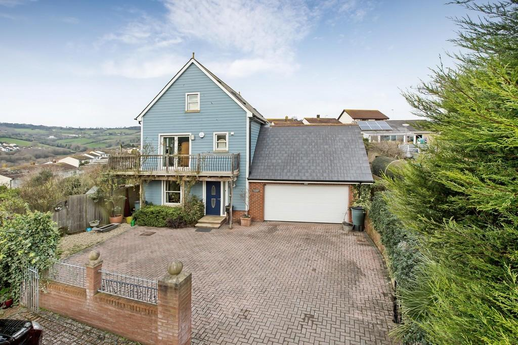 4 Bedrooms Detached House for sale in Fair Oaks, Teignmouth, TQ14 9GZ