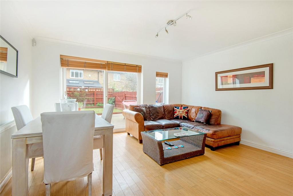 2 Bedrooms Terraced House for sale in Magellan Place, E14