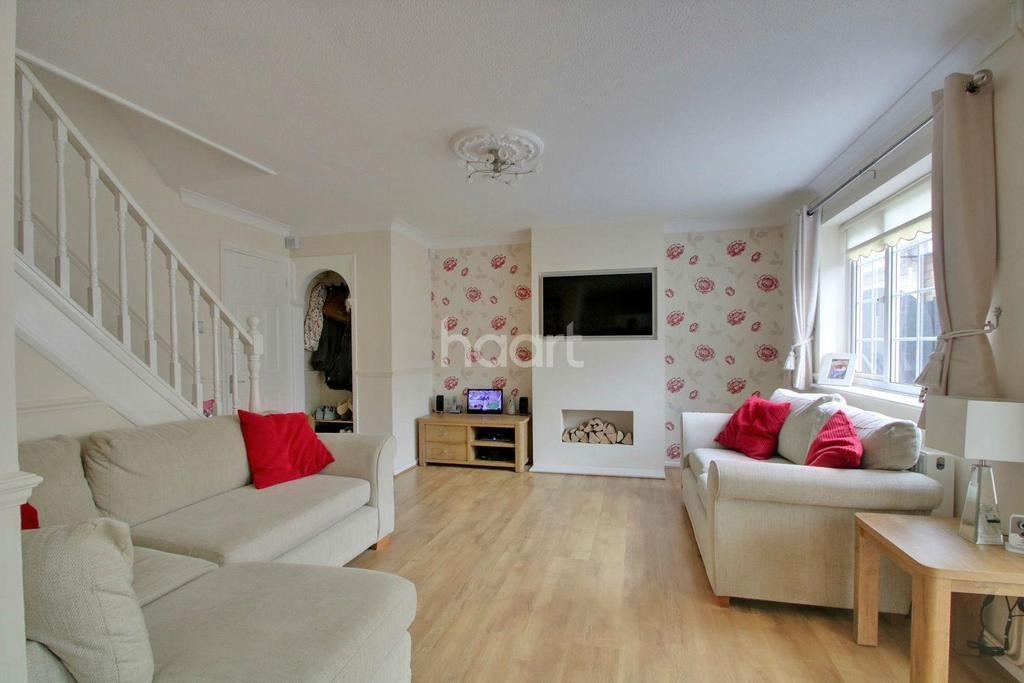 3 Bedrooms Semi Detached House for sale in Menzies Avenue, Basildon