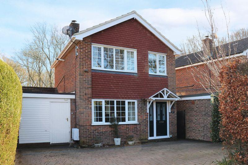 3 Bedrooms Detached House for sale in Woodfield Road, Rudgwick