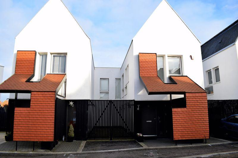 3 Bedrooms Terraced House for sale in Honor Street, Newhall