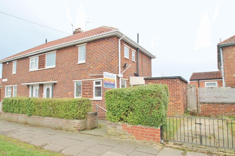 2 Bedrooms Semi Detached House for sale in Bridnor Road, Park End