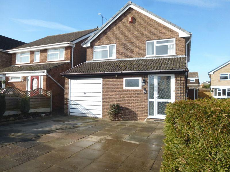 3 Bedrooms Detached House for sale in Wentworth Drive, Nuneaton