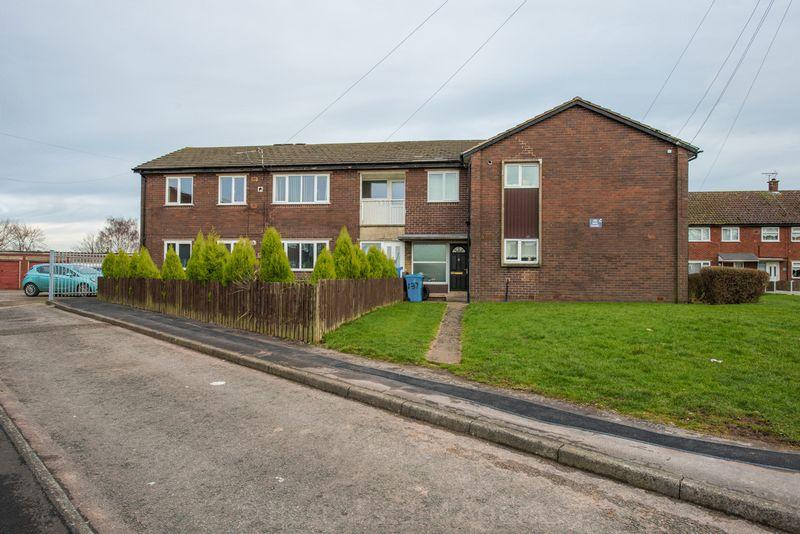 2 Bedrooms Flat for sale in Sycamore Road, Runcorn