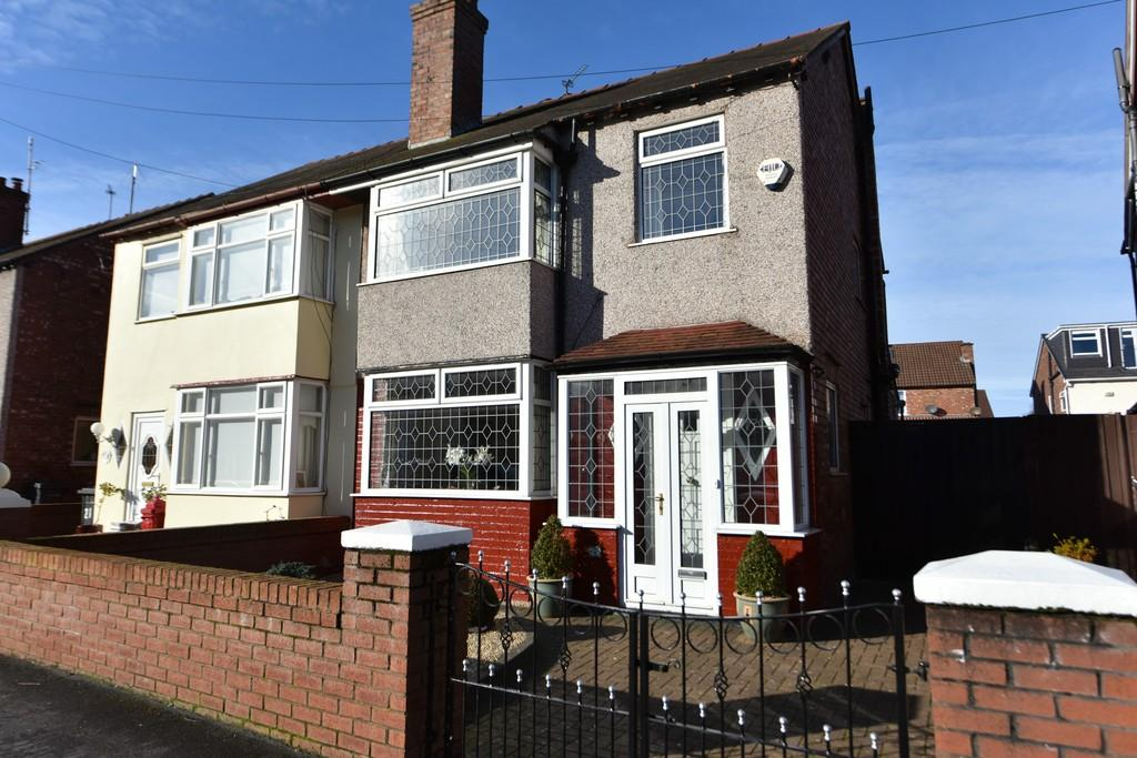 3 Bedrooms Semi Detached House for sale in Caithness Drive, Crosby