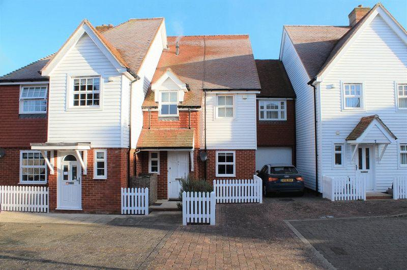 3 Bedrooms Terraced House for sale in Marden