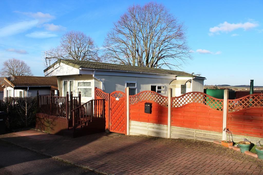 1 Bedroom Park Home Mobile Home for sale in Limekiln Lane, Baldock, SG7
