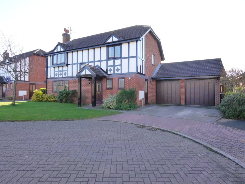 4 Bedrooms Detached House for sale in 8 Springhill, Tarporley, CW6 9UL
