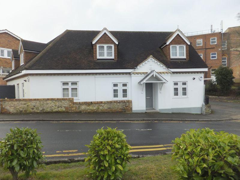 3 Bedrooms Detached House for sale in Hillingdon Avenue, Sevenoaks