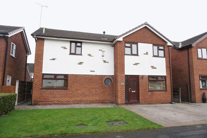 4 Bedrooms Detached House for sale in Belldale Close, Heaton Mersey