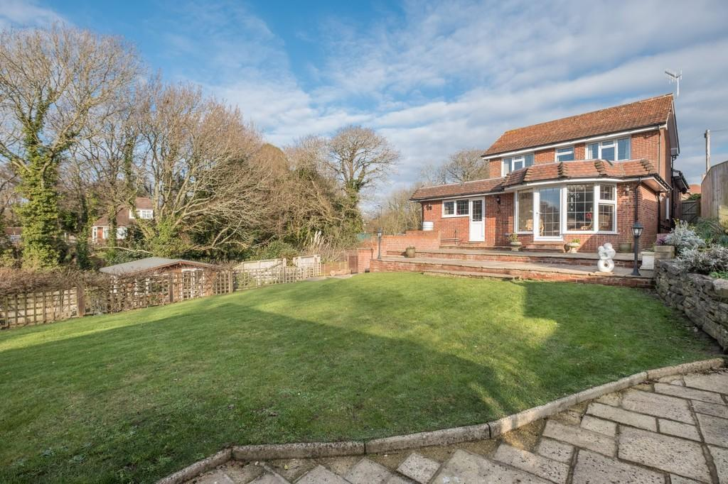4 Bedrooms Detached House for sale in Victoria Avenue, Shanklin