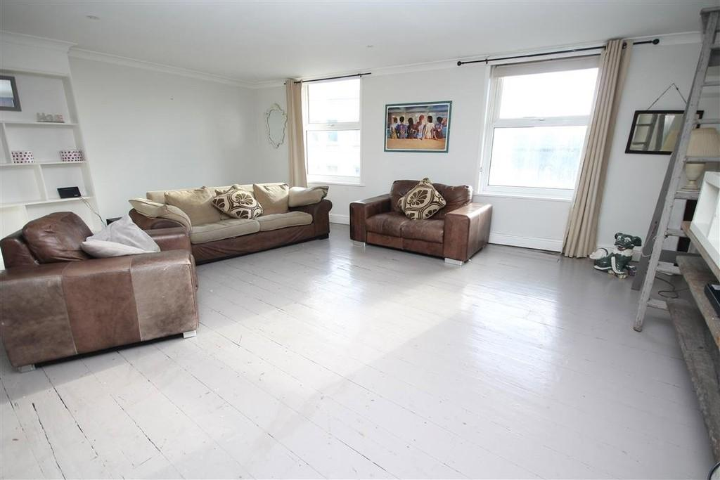 2 Bedrooms Flat for sale in Western Road, Brighton, BN1 2AB