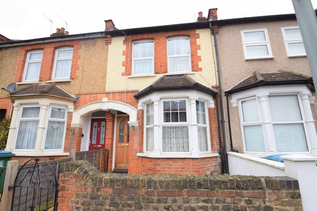 3 Bedrooms Terraced House for rent in Belgrave Avenue, Watford