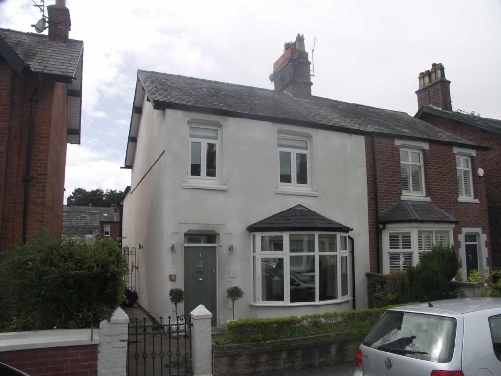 3 Bedrooms Semi Detached House for rent in Ashton Street, Lytham