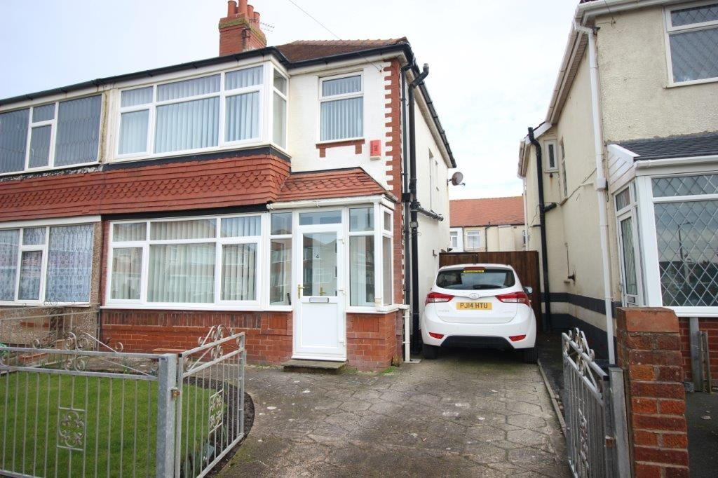 3 Bedrooms Semi Detached House for sale in Slinger Road, Thornton-Cleveleys
