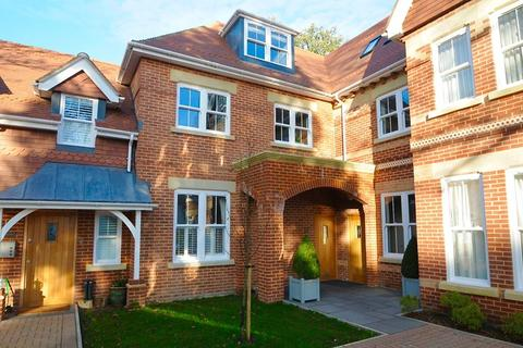 3 bedroom apartment for sale - Pinewood Road, Branksome Park, Poole