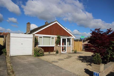 2 bedroom detached bungalow to rent - Westbury Road, Leckhampton, Cheltenham