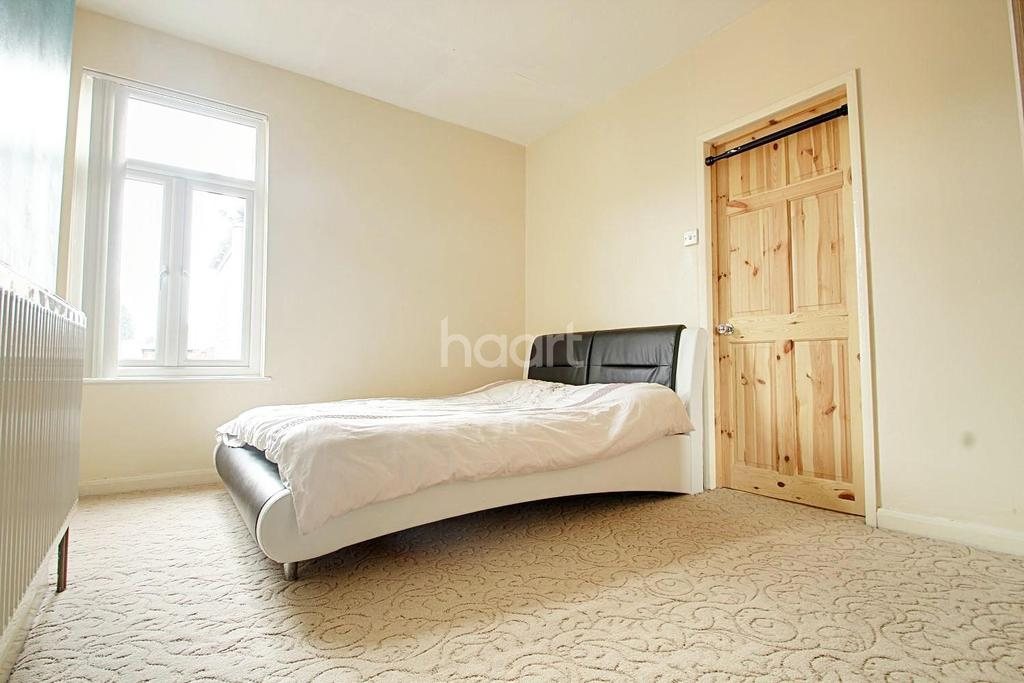 3 Bedrooms End Of Terrace House for sale in Haddon Street, Normanton