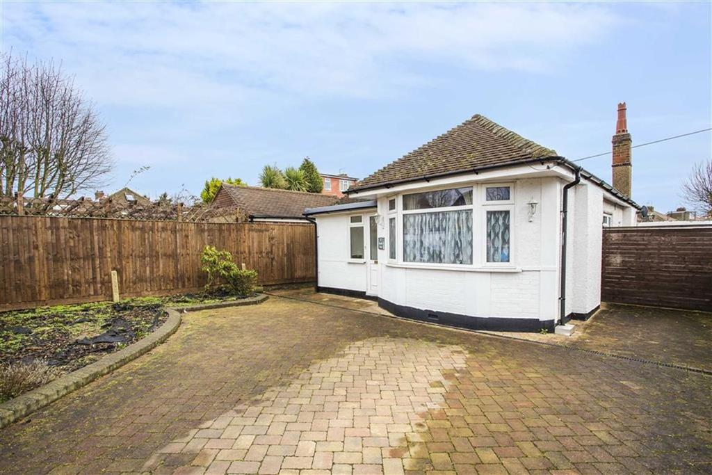 2 Bedrooms Detached Bungalow for sale in Beaulieu Drive, Pinner