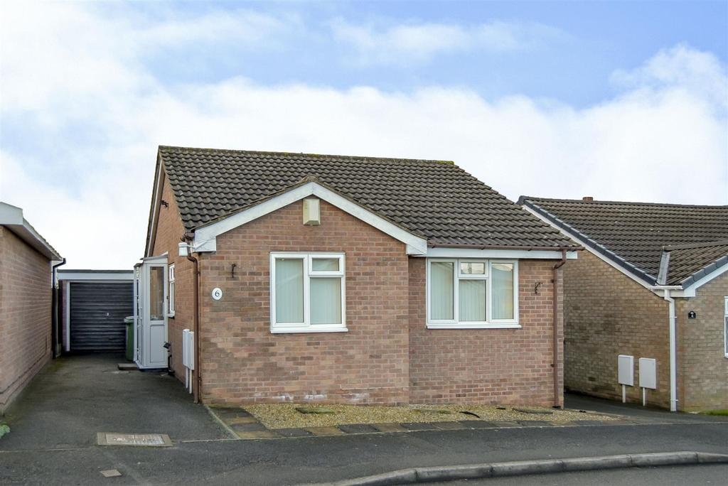 2 Bedrooms Detached Bungalow for sale in Lonan Close, Forest Town, Mansfield